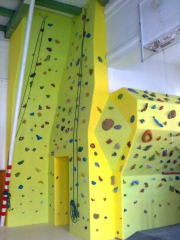 1103-lezecka-stena-piestany-gymnazium-3