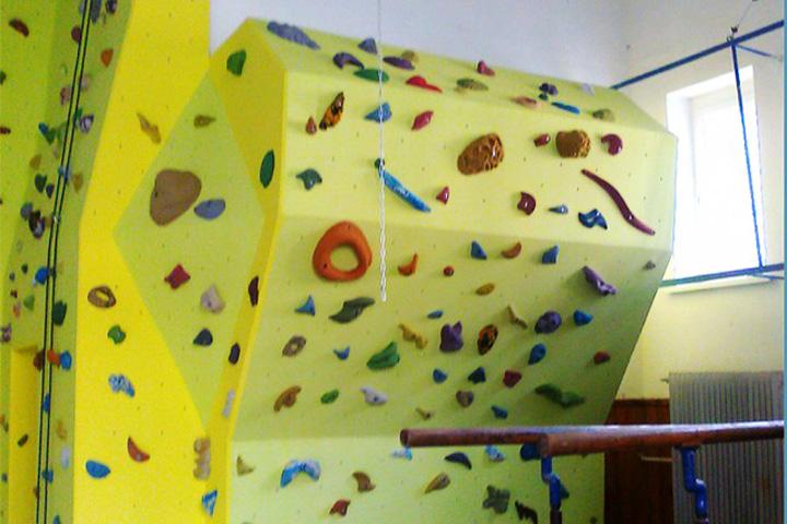 1104-lezecka-stena-piestany-gymnazium-4