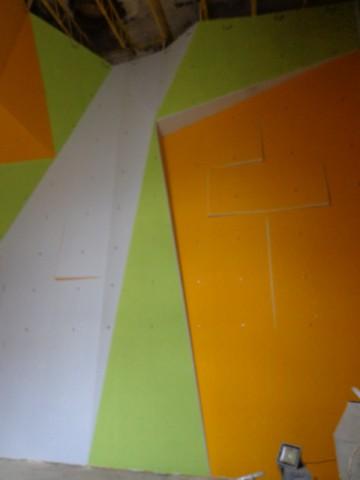 1324-rozlomity-stena-malovanie-10