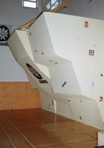 946-bouldering-wall-povazska-bystrica