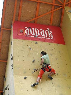 climbing_wall_aupark_bratislava_4