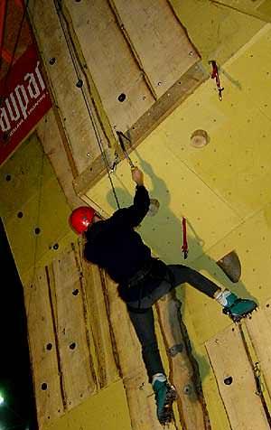 climbing_wall_aupark_bratislava_7