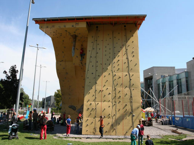 climbing_wall_aupark_bratislava_8