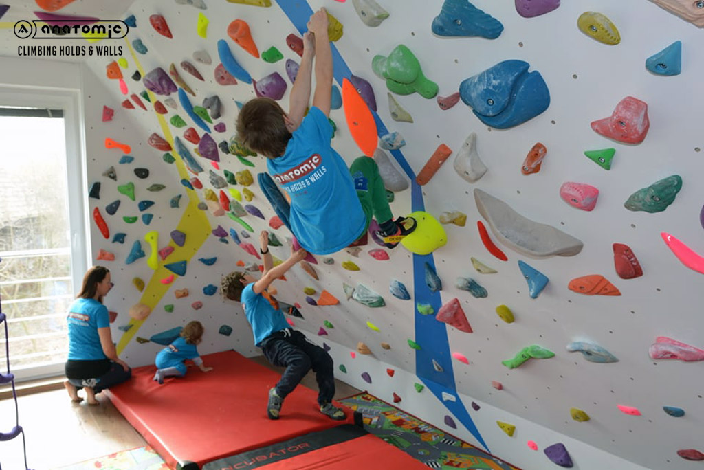 home-bouldering-wall-for-kids-10