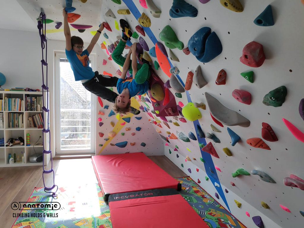 home-bouldering-wall-for-kids-11