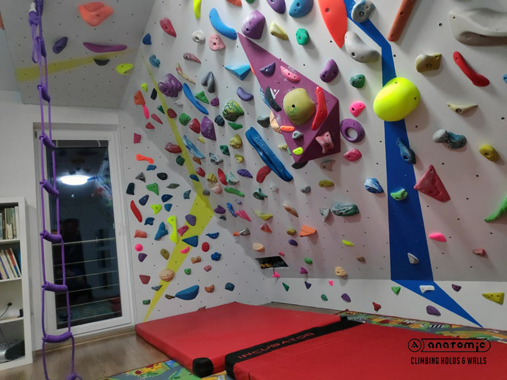 home-bouldering-wall-for-kids-12
