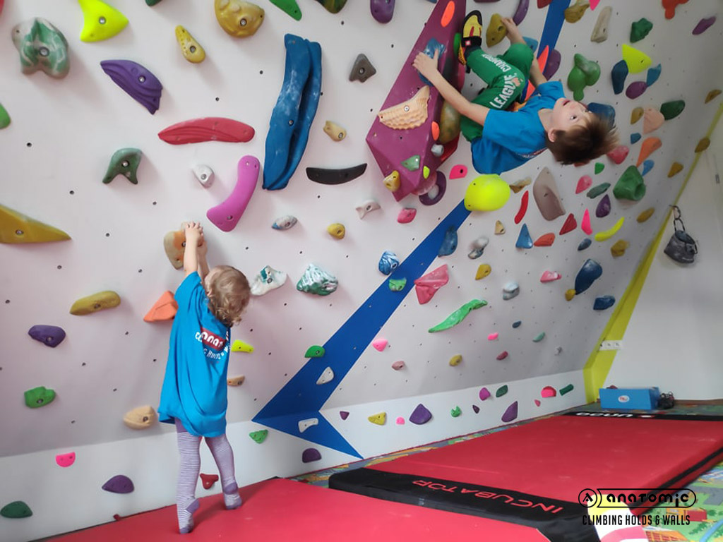 home-bouldering-wall-for-kids-13