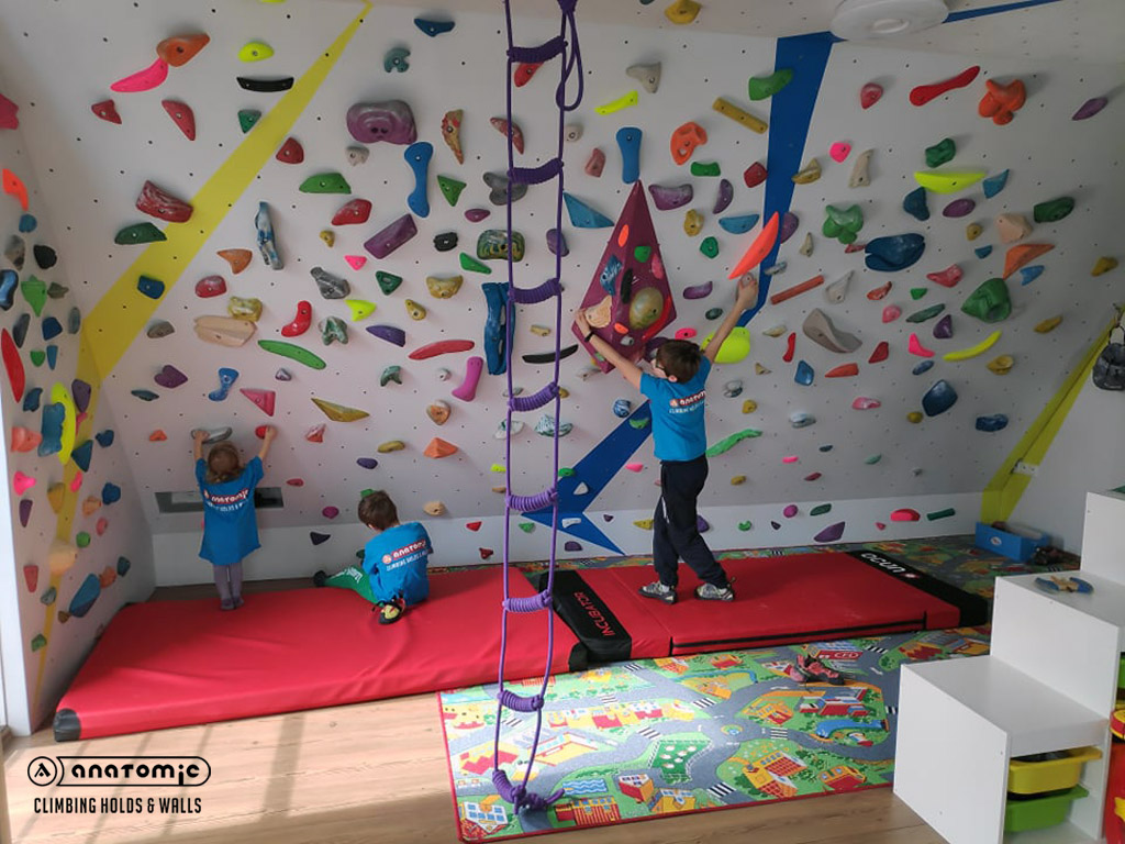 home-bouldering-wall-for-kids-4