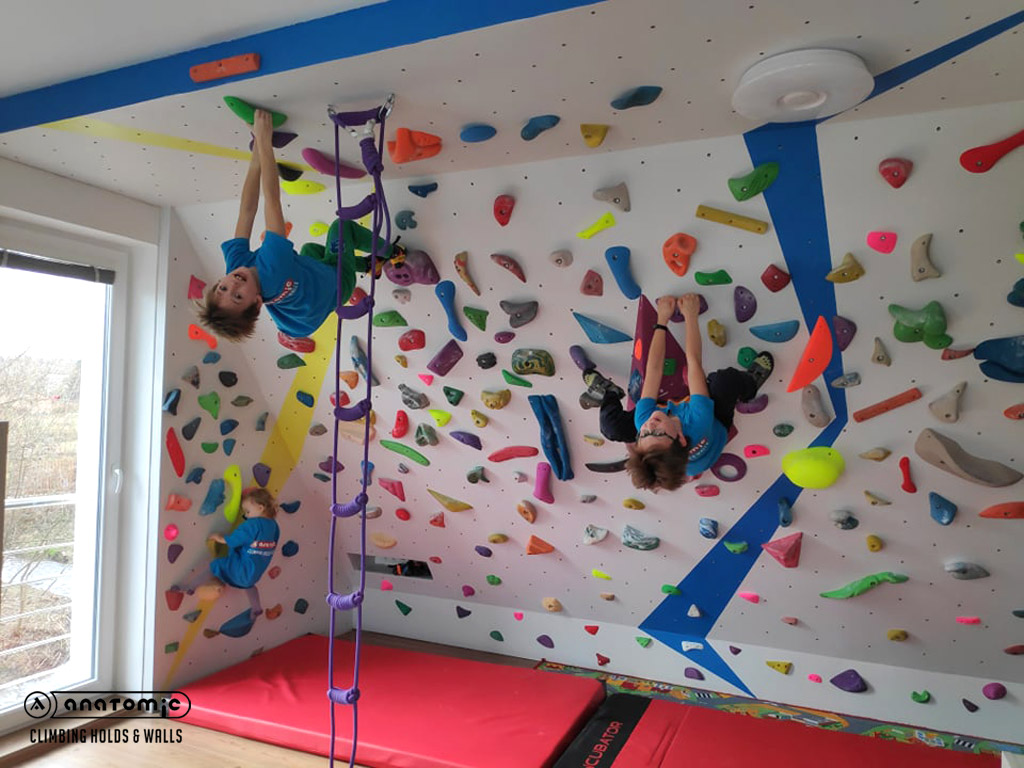 home-bouldering-wall-for-kids-5