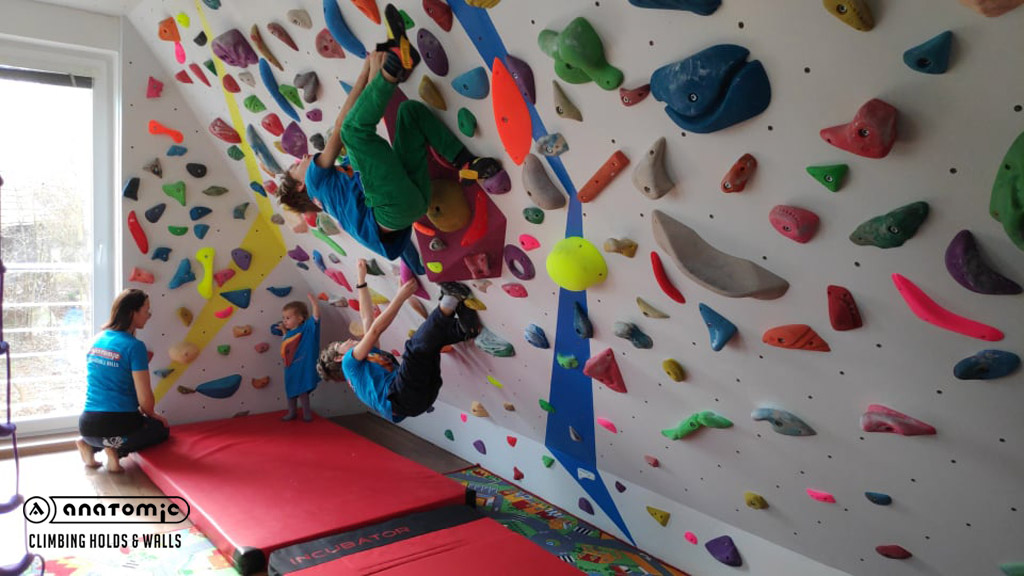 home-bouldering-wall-for-kids-6